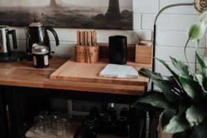 Een houten werkblad: de natuurlijke sfeermaker in de keuken