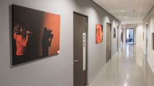 Ophangen van foto's en schilderijen: zo pak je dat aan!